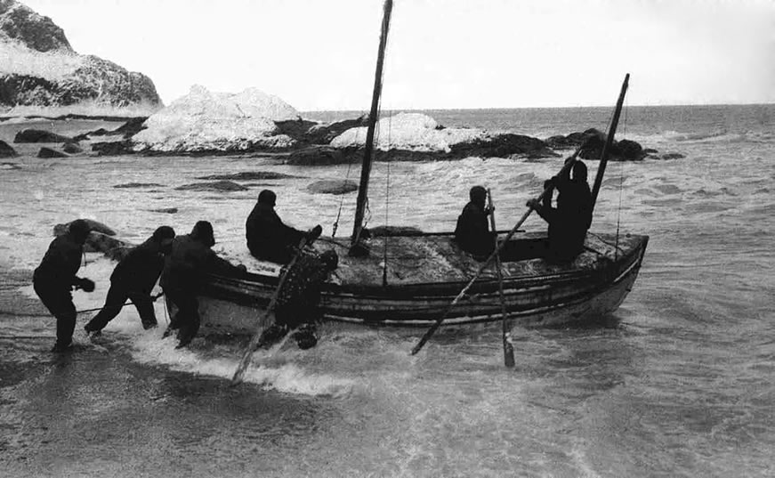 Ernest Shackleton boat